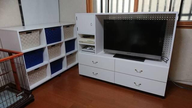 白いテレビボードと収納 施工例